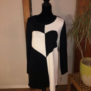 NWT Black and White Heart Sweater Tunic Size XL